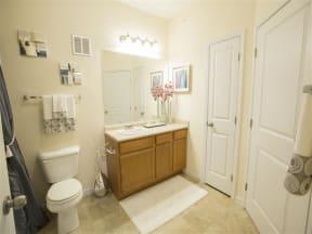 Large Bath with Linen Closet