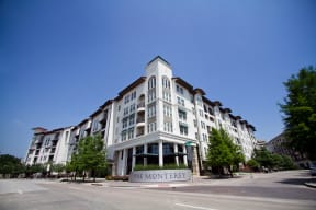 Personalized Tours Available at The Monterey by Windsor, Dallas, Texas