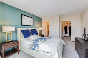 Bedrooms with Walk-In Closets at Flair Tower, Chicago, 60654