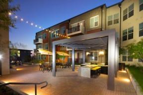 Courtyard Grilling Stations at Windsor West Lemmon, 3650 Cedarplaza Lane, TX