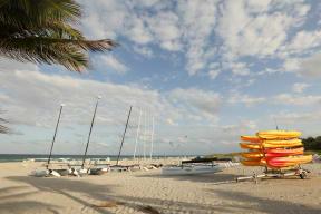 Enjoy beach activities at Windsor Delray Beach in Florida 33483