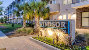Walking distance to dining and shopping at Windsor West Lemmon, Dallas, TX