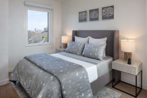 Spacious Bedroom With Comfortable Bed at North+Vine, Chicago, IL, 60610