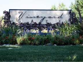 Monument Sign  l Vineyard Gate Apartments in Roseville CA