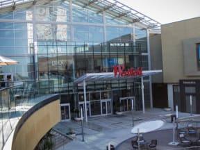 Roseville Galleria  l Vineyard Gate Apartments in Roseville CA