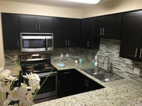 Apartments for Rent in Roseville, CA - Vineyard Gate Kitchen