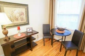 Bondale Apartments Living Room