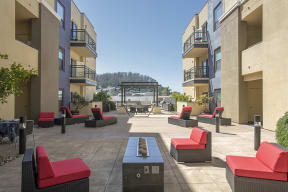 Courtyard are with seatingl Metro 510 Apartments in Riverside Ca