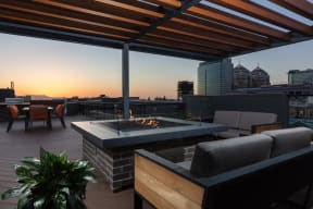 Luxury Apartments For Rent in Oakland, CA - 777 Broadway Rooftop Deck