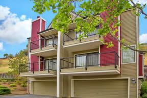 Apt Building w/ Garage Apartments in Pittsburg, CA l Kirker Creek Apartments