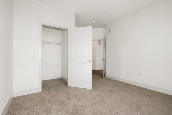 B2B Large Closet at Avenue Grand, White Marsh, MD