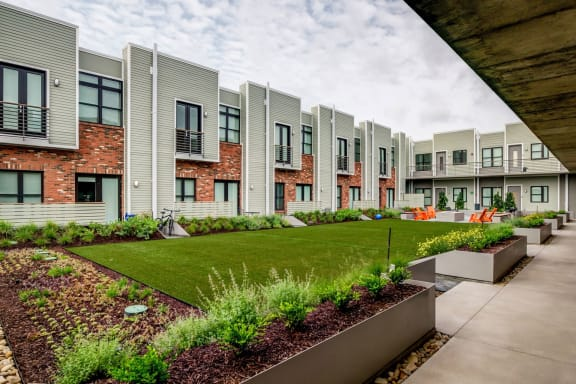 Lush Green Outdoor Spaces at 2100 Acklen Flats, Nashville