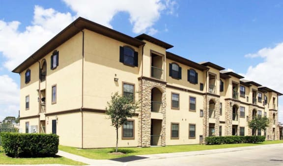 Building Exterior at The Life at Sterling Woods, Texas