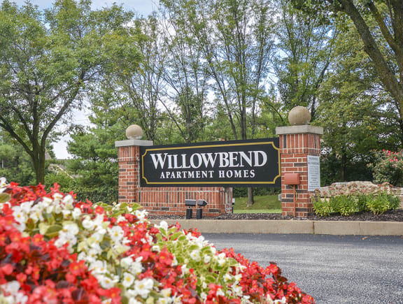 Willowbend Monument Sign