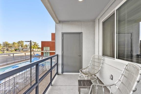 Apartment balcony at V on Broadway Apartments in Tempe AZ November 2020 (2)