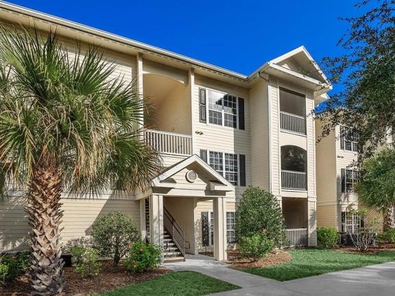 meetinghouse daytona 55 plus senior apartment exterior