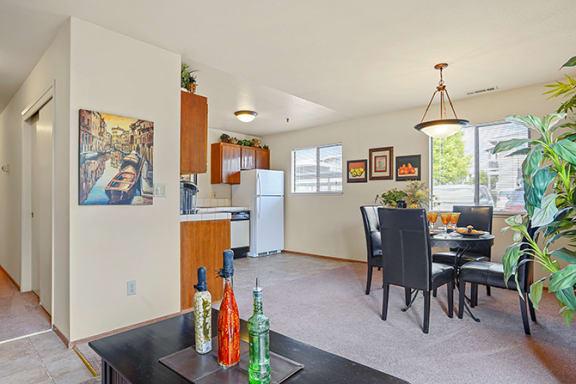 Fully Equipped Kitchens And Dining at Cypress Landing, Salinas, California