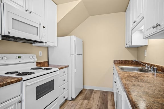 Fully Equipped Kitchen at Peninsula Pines Apartments, South San Francisco