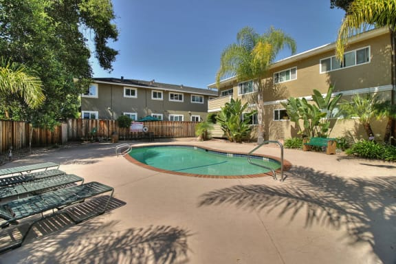 Menlo Park West Pool at Downtown Menlo Park Leasing Center, California, 94025