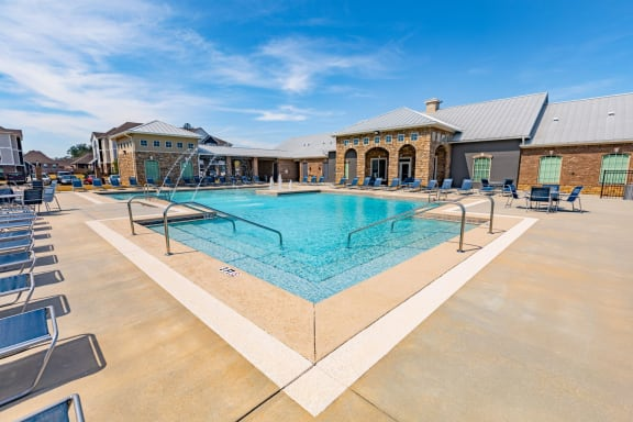 Sparkling Pool | Parkside Apts | Luxury Apartments in Pensacola, FL