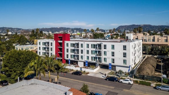 Apartment Building at 4847 Oakwood Ave. Los Angeles, CA