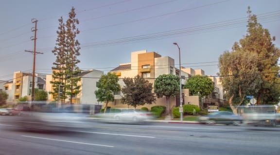 NMS-Northridge-Luxury-Apartment-Exterior-Streetview
