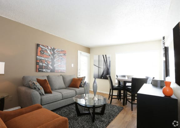 Bedford Oaks Apartments living area