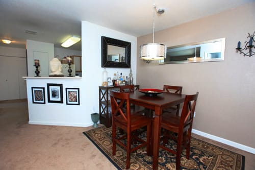 Greens of Merrill Creek dining and living area