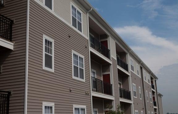 New rentals in Peoria, Apartments at Grand Prairie, Peoria, Illinois, 5400 West Sienna Lake Peoria, IL, apartments, balcony