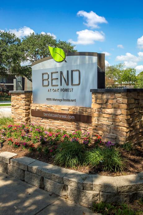 Bend banner at Bend at Oak Forest, Houston
