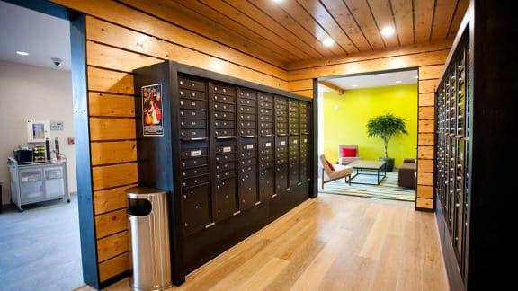 24/7 Package Locker System