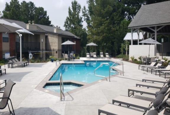 Luxury pool with Jacuzzi