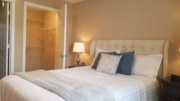Bedroom with Large Closet at Reserve of Bossier City Apartment Homes, LA