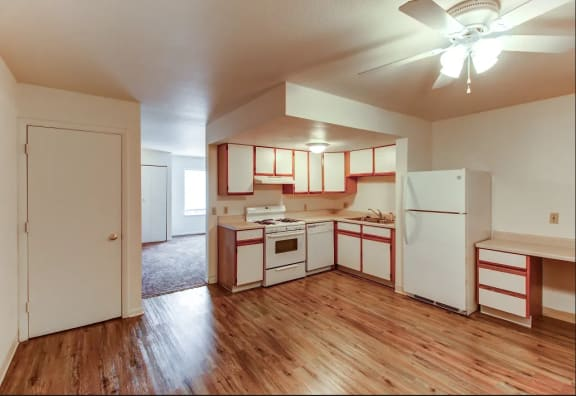 Large Kitchen with dishwasher at Arbor Pointe Townhomes, Battle Creek, Michigan