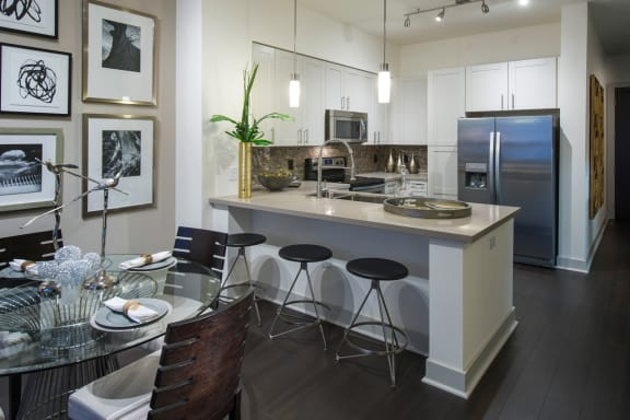 Breakfast bar at Olympic by Windsor, California, 90015