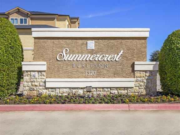 Property Sign at Summercrest Apartments, Burleson, TX, 76028