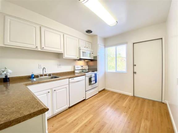 Dishwasher at The Glens, California, 95125