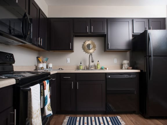 Fully Equipped Kitchen at Crescent Centre Apartments, Louisville, KY, 40202