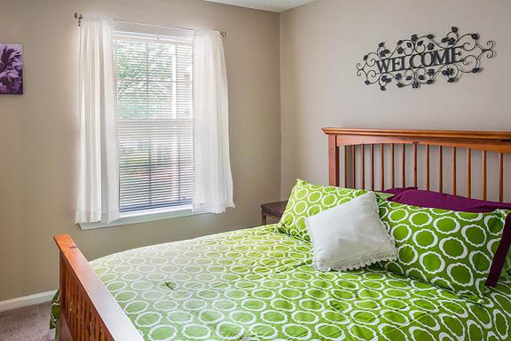 Apartment bedroom_Cambury Hills Apartments Omaha, NE
