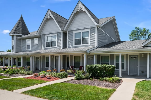 Exterior_Duneland Village Apartments Gary, IN