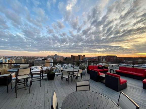 Rooftop Terrace with City Views2