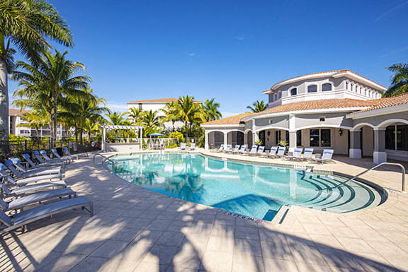 Lounge Swimming Pool With Cabana at Sierra Grande Apartments, Naples, 34113