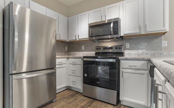 oak 2x2 model kitchen