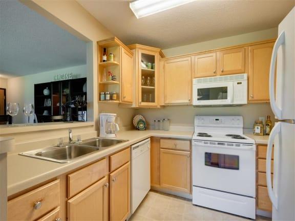 Mallard Ridge Apartments in Maple Grove, MN Kitchen