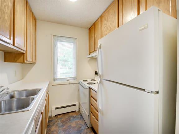 Silver Lake Apartments in New Brighton, MN Kitchen