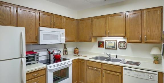Vernon Terrace of Edina in Edina, MN 55+ Community Kitchen