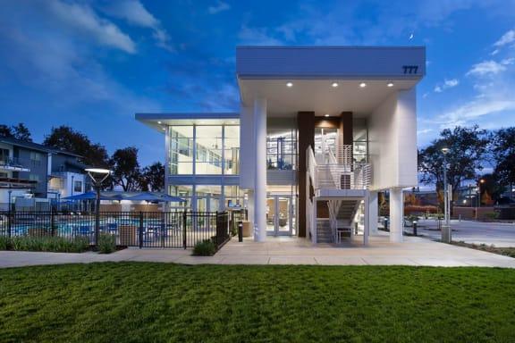 Capitol Yard Apartments_ West Sacramento CA_Extravagant Clubhouse