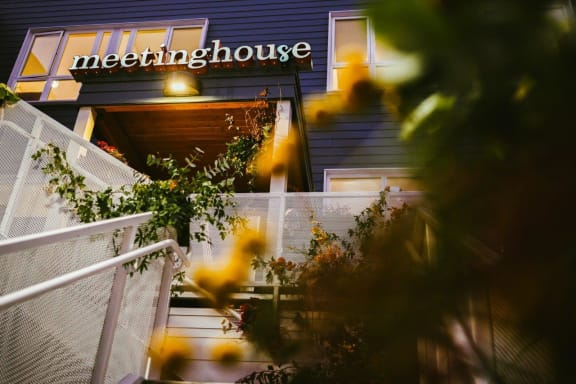 Meetinghouse_Portland_OR_Sellwood_Exterior_Courtyard