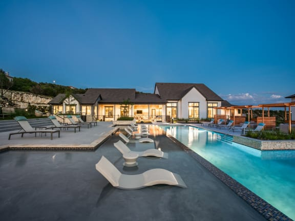 Oro Stone Oak Pool and Sun Deck