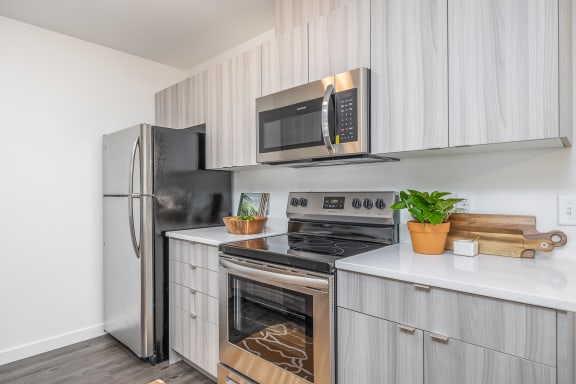 The Tides at Willow Point Apartments Model Kitchen